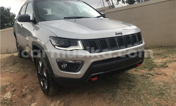 Medium with watermark jeep compass 2018 suv 5
