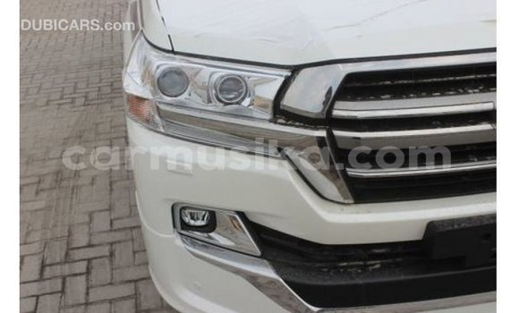 Buy Import Toyota Land Cruiser White Car in Import - Dubai in Harare