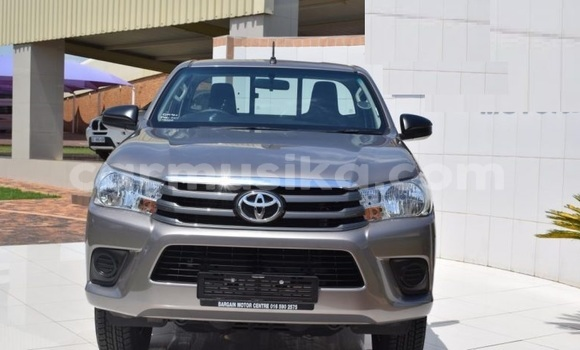 Medium with watermark toyota hilux harare harare 14212