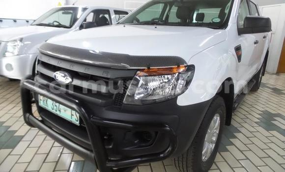 Buy Used Ford Ranger White Car in Emerald Hill in Harare