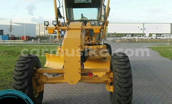 Buy Used Caterpillar 120 Other Truck in Beitbridge in Matabeleland South