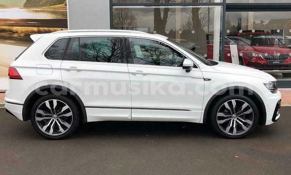 Buy Used Volkswagen Tiguan White Car in Harare in Harare