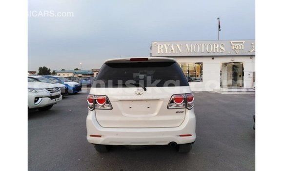 Buy Import Toyota Fortuner White Car in Import - Dubai in Harare