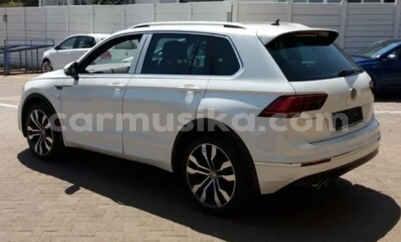 Buy Used Volkswagen Tiguan White Car in Harare in Harare