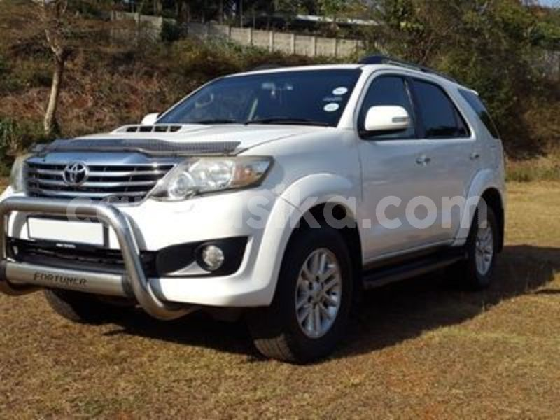 Big with watermark toyota fortuner matabeleland south beitbridge 18012