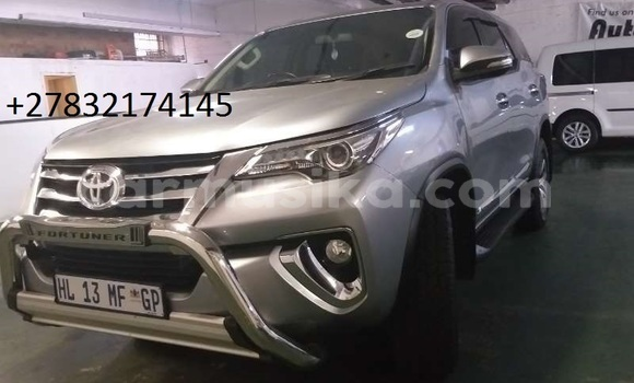 Buy Used Toyota Fortuner Silver Car in Beitbridge in Matabeleland South