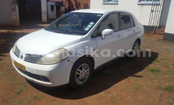 Buy Used Nissan Tiida White Car in Gweru in Midlands