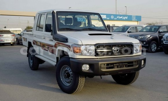 Buy Import Toyota Land Cruiser White Car in Import - Dubai in Harare