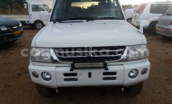 Buy Used Mitsubishi Pajero White Car in Alexandra Park in Harare