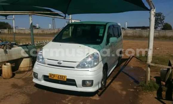 Buy Used Nissan Serena White Car in Alexandra Park in Harare