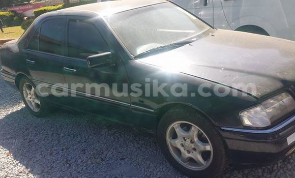 Buy Used Mercedes‒Benz C-Class Black Car in Alexandra Park in Harare