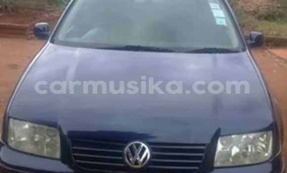 Buy Used Volkswagen Bora Blue Car in Alexandra Park in Harare