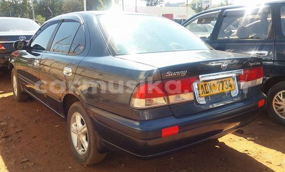 Buy Used Nissan Sunny Black Car in Alexandra Park in Harare