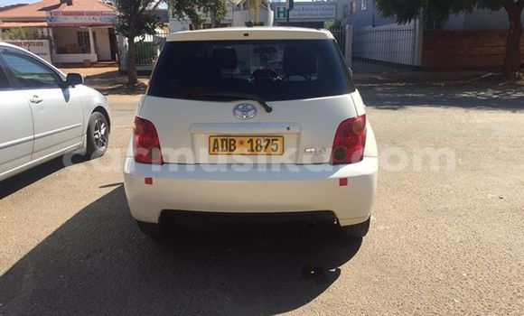 Buy Used Toyota IST White Car in Alexandra Park in Harare