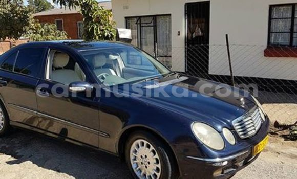 Buy Used Mercedes‒Benz E–Class Black Car in Alexandra Park in Harare