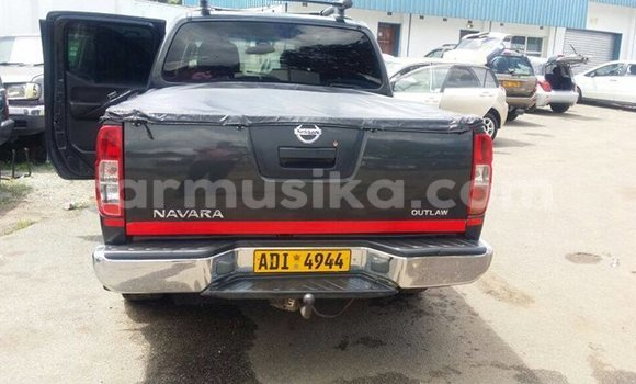 Buy Used Nissan Navara Black Car in Alexandra Park in Harare