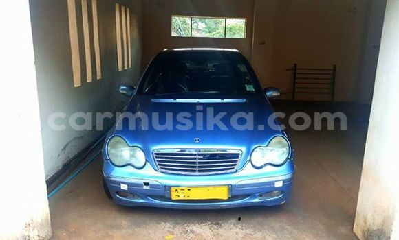 Buy Used Mercedes‒Benz C-Class Blue Car in Alexandra Park in Harare