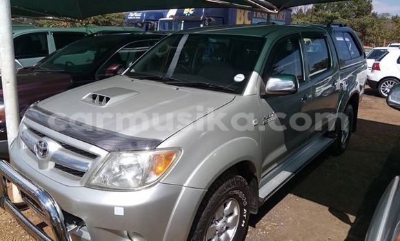 Buy Used Toyota Hilux Silver Car in Alexandra Park in Harare