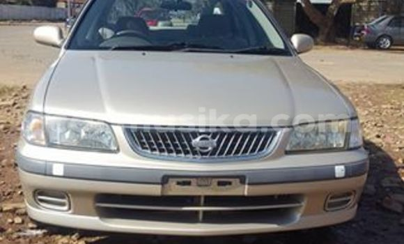 Buy Used Nissan Sunny Silver Car in Alexandra Park in Harare