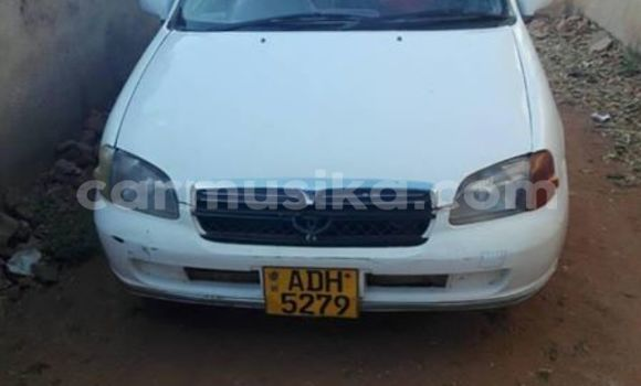 Buy Used Toyota Starlet White Car in Alexandra Park in Harare