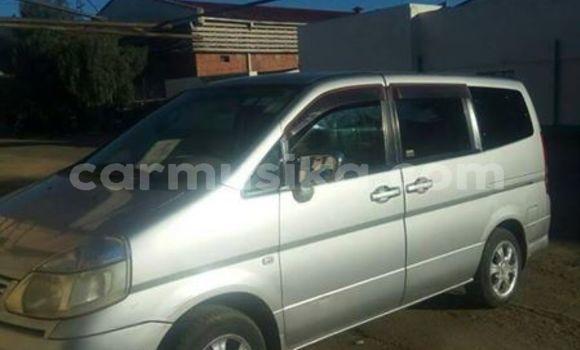 Buy Used Nissan Serena Silver Car in Alexandra Park in Harare