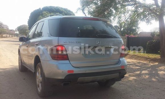 Buy Used Mercedes‒Benz ML–Class Silver Car in Alexandra Park in Harare