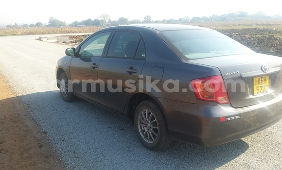 Buy Used Toyota Axio Black Car in Kuwadzana in Harare