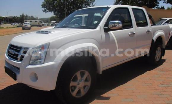 Buy New Isuzu Trooper White Car in Alexandra Park in Harare