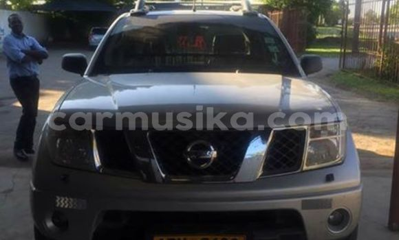 Buy Used Nissan Navara Silver Car in Alexandra Park in Harare
