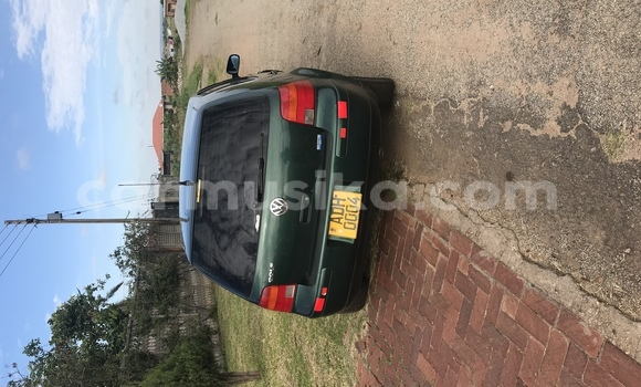 Buy Used Volkswagen Golf Green Car in The Avenues in Harare