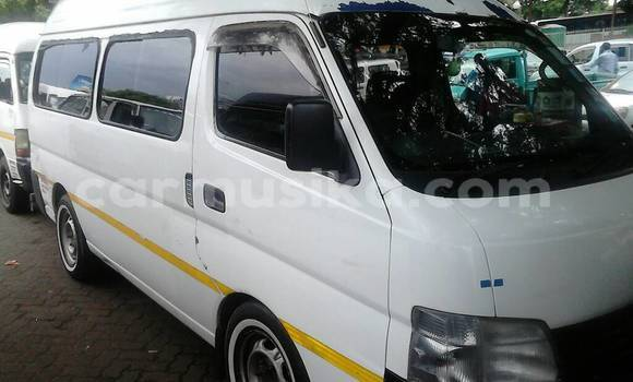 Buy Used Nissan Nv350 White Car in Ruwa in Mashonaland East