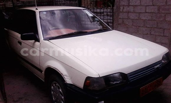 Buy Used Mazda 323 White Car in Chipinge in Manicaland