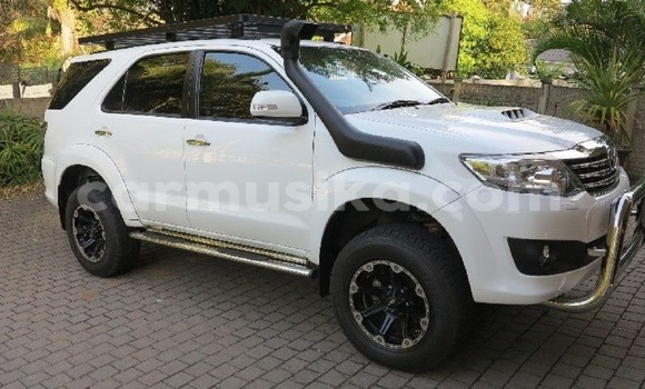 Buy Used Toyota Fortuner White Car in Belvedere in Harare