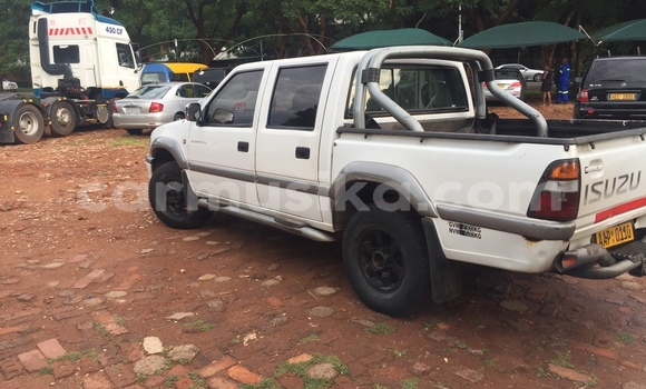 Buy Used Isuzu D-MAX White Car in Avondale in Harare