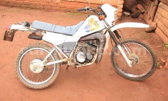 Buy Used Yamaha DT125 White Moto in Harare in Harare