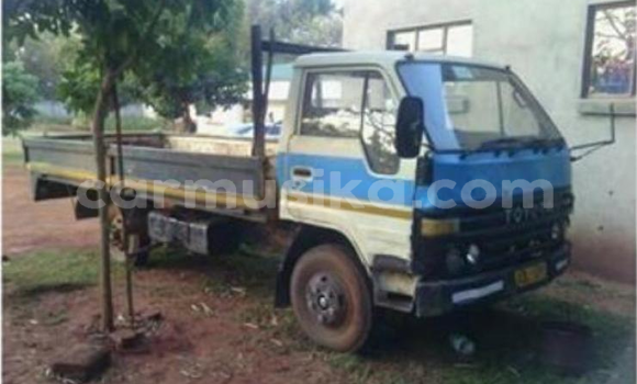 Buy Used Toyota Dyna Blue Truck in Harare in Harare