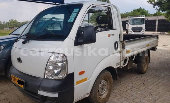 Buy Used Kia K2700 White Truck in Bulawayo in Bulawayo