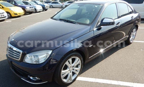 Buy Used Mercedes‒Benz C-Class Black Car in Beitbridge in Matabeleland South