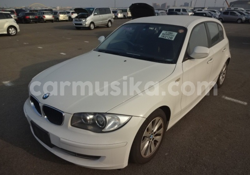 Big with watermark 2011 bmw 1 series