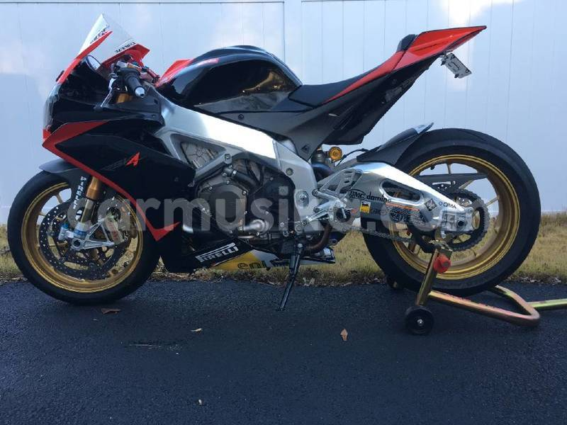 Big with watermark 2012 aprilia rsv4 factory..006