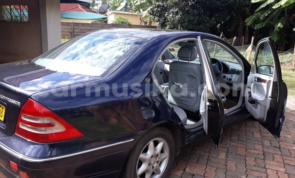 Buy Used Mercedes‒Benz KOMPRESSOR Blue Car in Harare in Harare