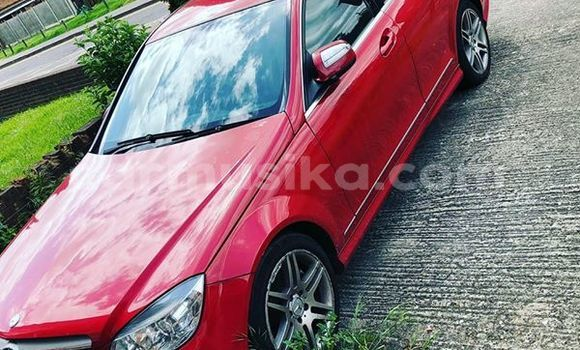 Buy Used Mercedes‒Benz C–Class Red Car in Harare in Harare