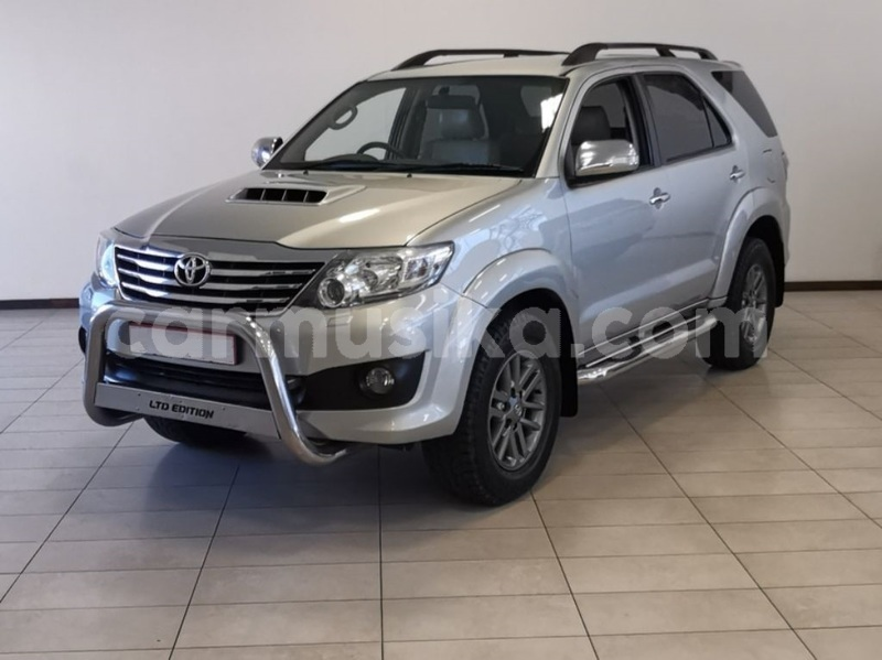 Big with watermark toyota fortuner matabeleland south beitbridge 8264