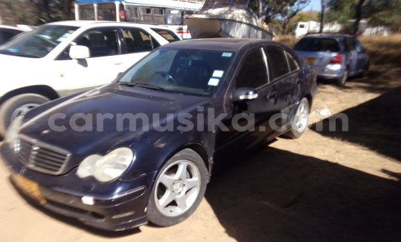 Buy Used Mercedes‒Benz 200 Blue Car in Mabelreign in Harare