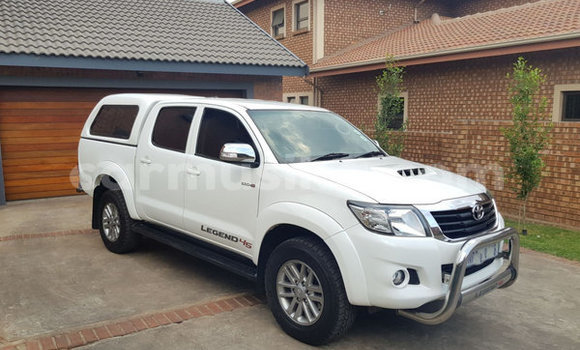 Medium with watermark toyota hilux harare harare 8378