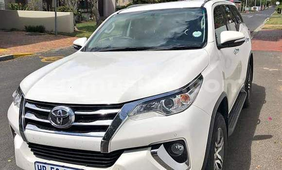Medium with watermark toyota fortuner matabeleland south beitbridge 8388