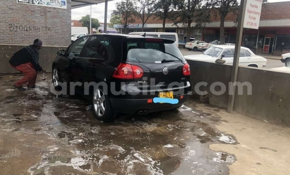 Buy Used Volkswagen Golf Black Car in Bulawayo in Bulawayo