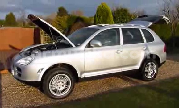 Buy Used Porsche Cayenne Silver Car in Kwekwe in Midlands