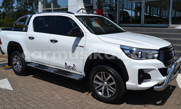 Medium with watermark toyota hilux matabeleland south beitbridge 8861