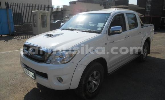 Buy Used Toyota Hilux White Car in Harare in Harare